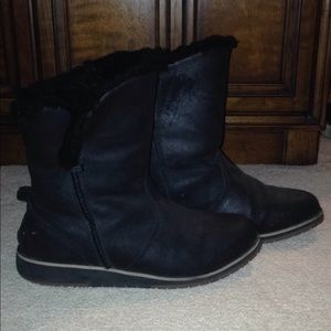 Emu black leather boots